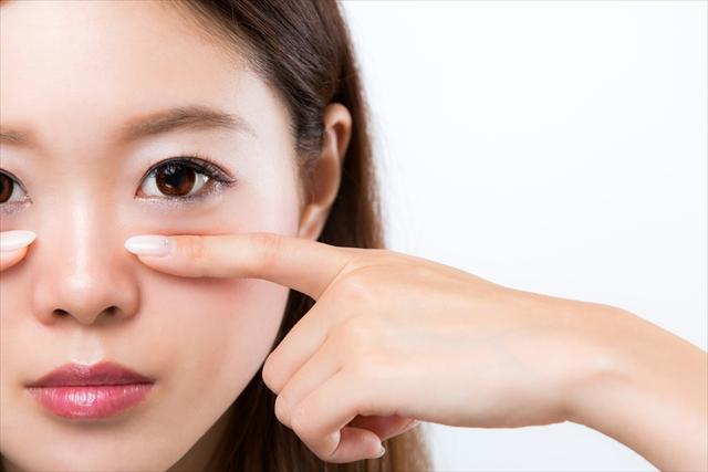 もとび美容外科クリニックで美容整形 新宿駅徒歩4分 11種類の埋没法で50,000件以上の症例数!